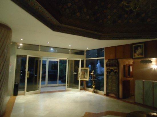 Menzeh Zalagh Hotel : Hall de acesso ao Hotel