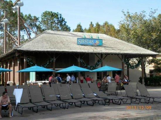 Disney's Coronado Springs Resort: Main Pool Bar