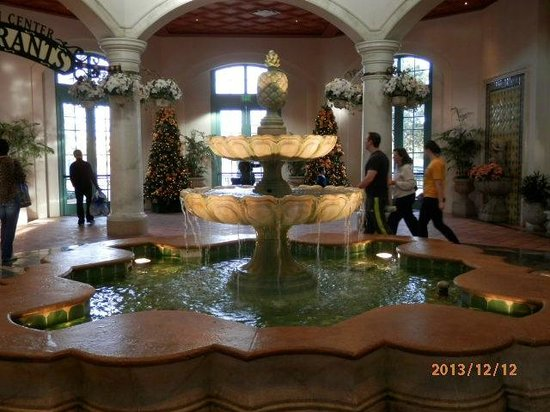 Disney's Coronado Springs Resort: Lobby