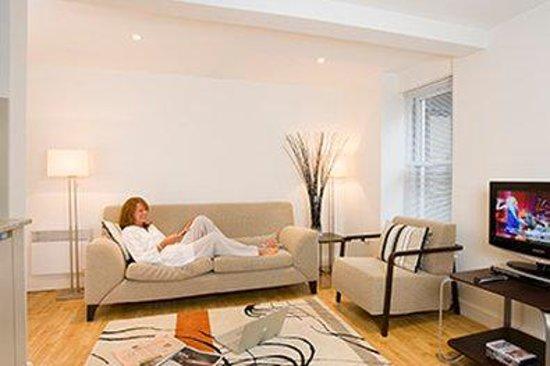 SACO Bath - St James Parade: Bath Bedroom Sup Livingarea