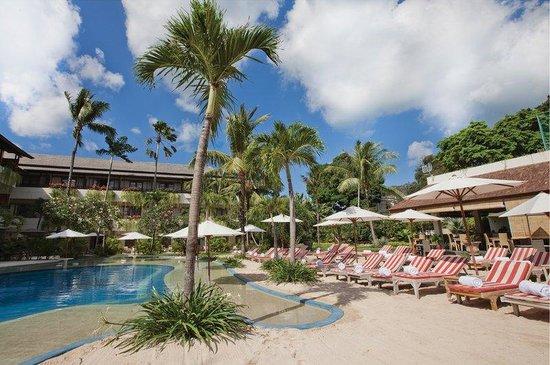 The Breezes Bali Resort & Spa: Beach Pool at The Breezes Bali Resort and Spa