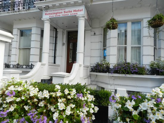 Kensington Suite Hotel: Attractive exterior