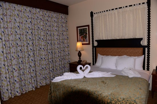 Kings' Land by Hilton Grand Vacations : Master Bedroom
