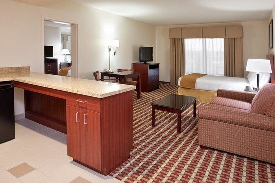 Holiday Inn Express Hotel & Suites Columbus University Area - OSU: Presidential Suite