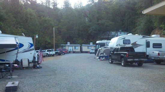 Salt Creek Resort & RV : RV Camping area and view of 2 bedroom Cabins