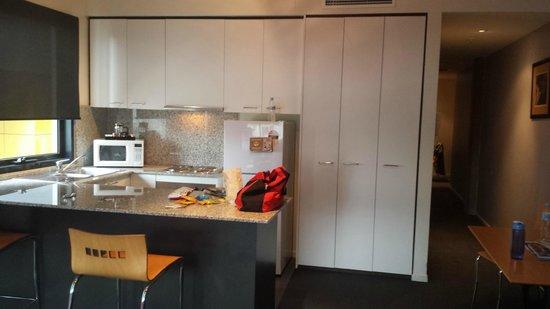 Punthill Manhattan: Kitchen