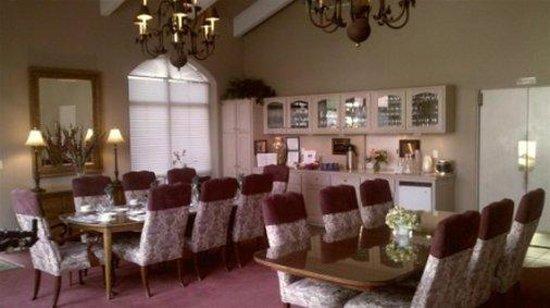 Canyon Villa Bed and Breakfast Inn of Sedona: Dining