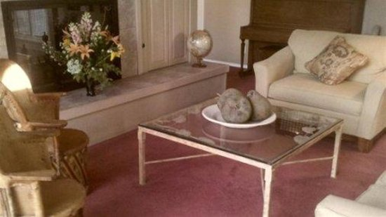 Canyon Villa Bed and Breakfast Inn of Sedona: Living Room