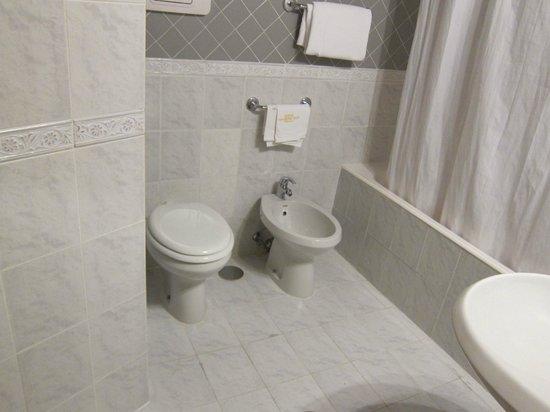 Hotel San Germano: ベスト ウエスタン ホテル サン ジェルマーノ・・・浴室・トイレ