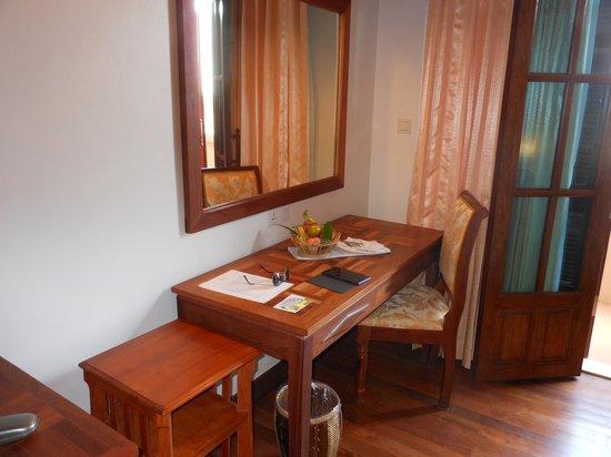 Angkor Sayana Hotel & Spa: Desk