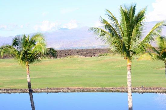 Kings' Land by Hilton Grand Vacations : Manua Kea from room