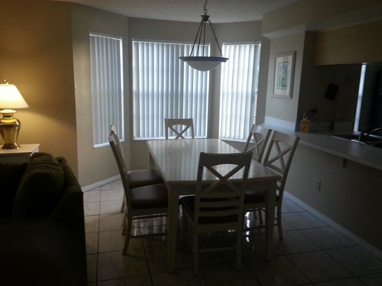 Sweetwater Club Villas and Apartments: dining area