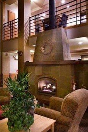 Inn At Cape Kiwanda: Lobby