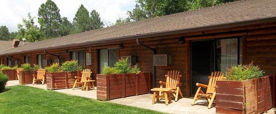 Kohl's Ranch Lodge: KRLPatios