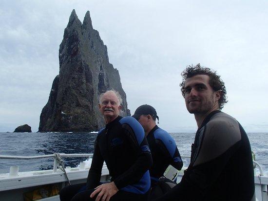 Howea Divers: Balls Pyramid diving