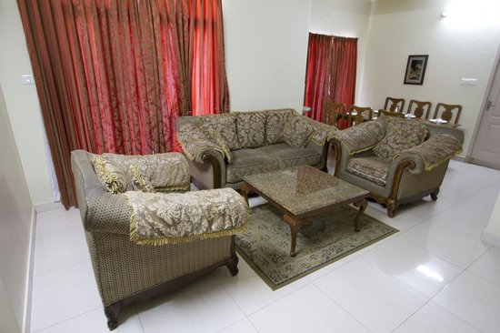 Crescent Homes Corporate Stay: Living Area