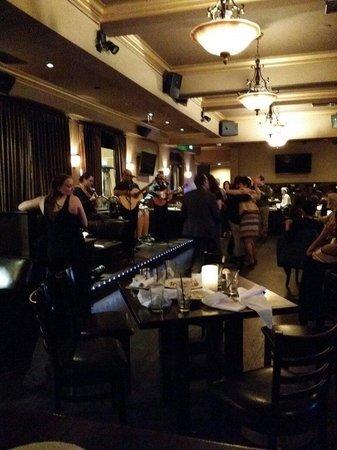 BarFly La Jolla: Dancing