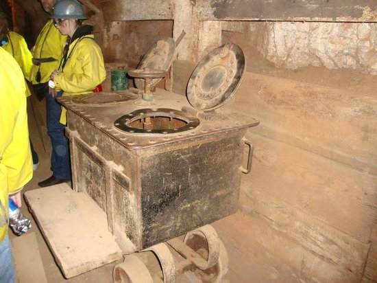 Queen Mine Tours: The Honey Buckets
