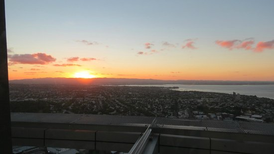 The Sugar Club Auckland : Sunset while you dine.