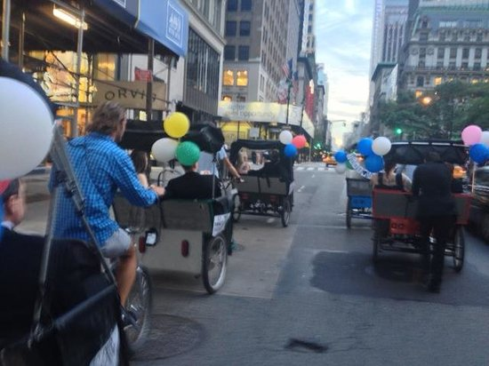 ‪NYC Pedicab Tours - Pedicab Rickshaw Co. - Private Tours‬