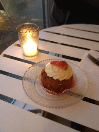 Coffee by Elli : Cupcake