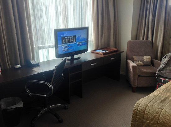 Rydges Auckland : TV