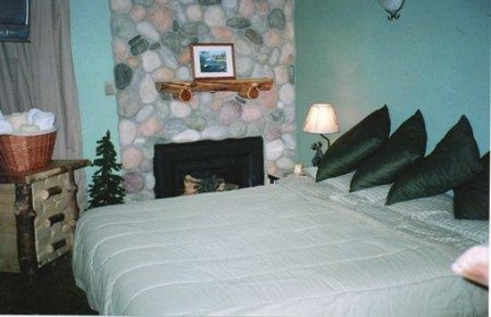 Heavenly Valley Base Area Condos by Accommodation Station: Guest Room