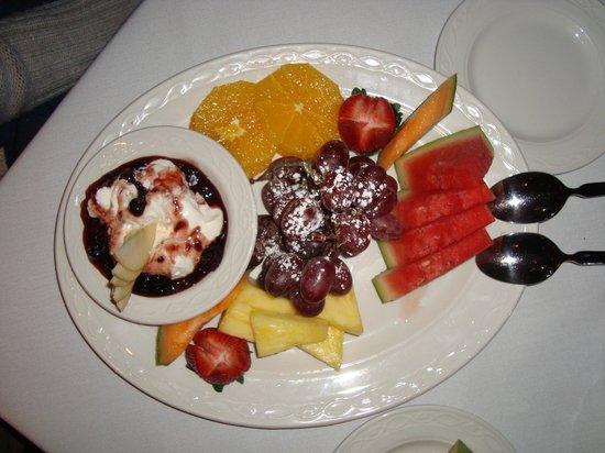 Estia : Fruit plate