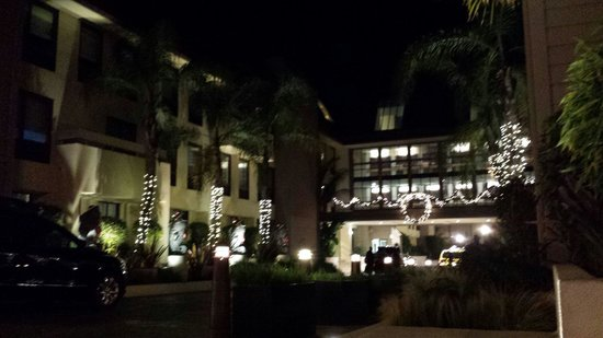 Sheraton Fisherman's Wharf Hotel : Was going out for a night walk so I took this photo!!