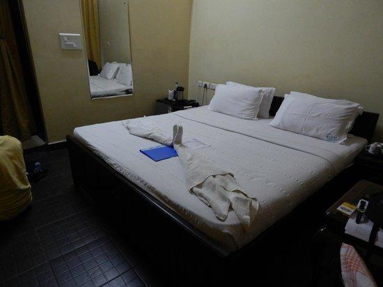 Kalathil Lake Resort: Nice bed