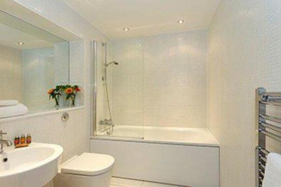SACO Canary Wharf - Trinity Tower: Canary Wharf Bathroom