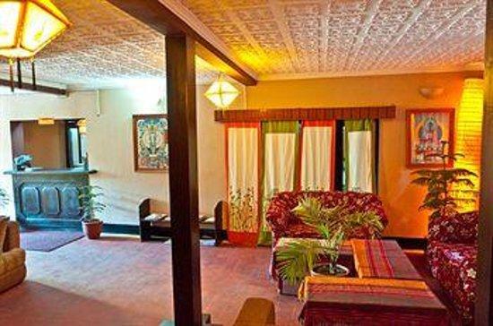 ปาริวาร์บีแอนด์บี: Pariwar Loby Area