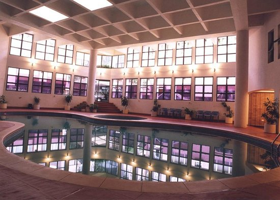 Only temperature controlled indoor swimming pool of Hotels in mahabaleshwar with swimming pool