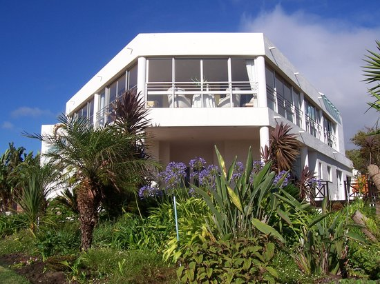 Sunshowers Beachfront B&B Guesthouse: Sunshowers Plett from the beach side