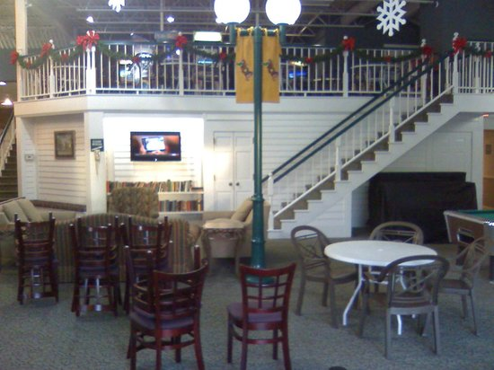 Holiday Inn Fond Du Lac: Rec area/arcade