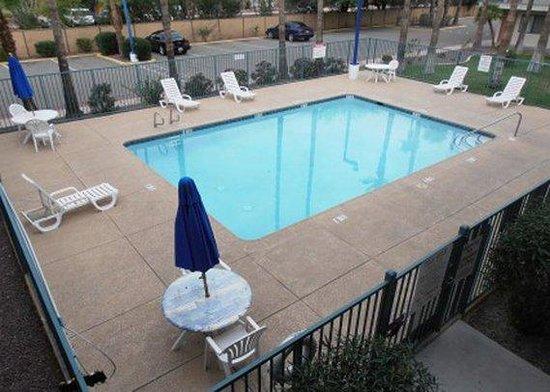 Western Inn Tucson: Outdoor Pool