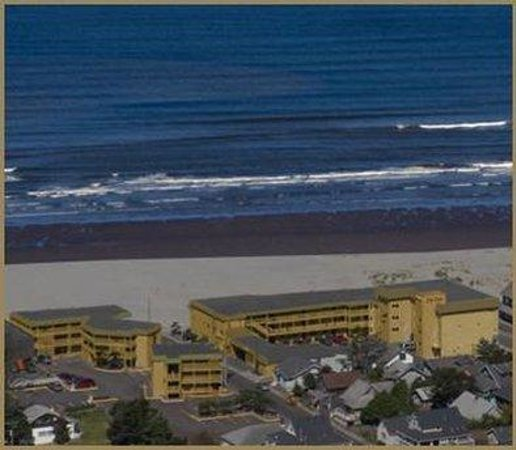 Ebb Tide Oceanfront Inn: Exterior View (Exterior View )