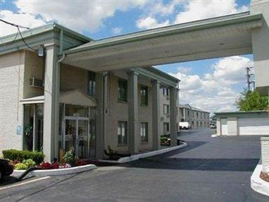 Photo of Budgetel Hotel Glen Ellyn