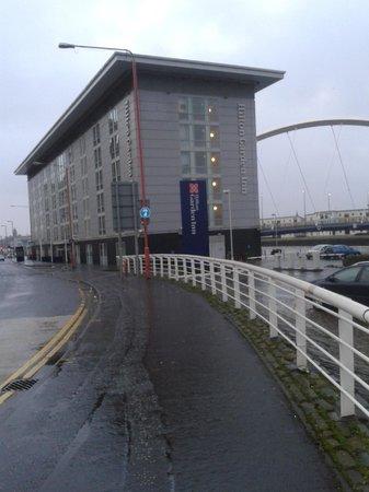 Hilton Garden Inn Glasgow City Centre: Hotel and car park