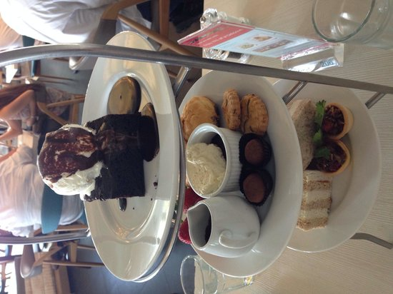Delicious Cafe, Straights Quay, Penang: Afternoon tea for 2