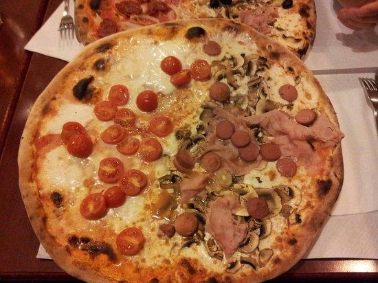 La Padellaccia : Pizza doppio gusto.
