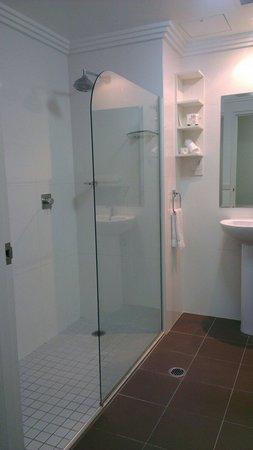 The Sebel Harbourside Kiama: Bathroom