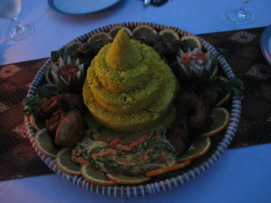 Telunas Beach Resort : Food for the candle-light dinner.