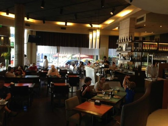 BA Sohotel: Restaurant