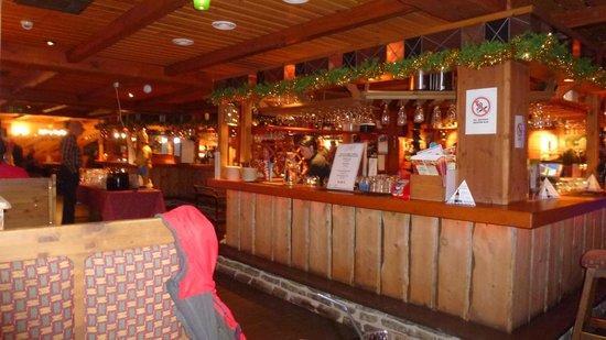 Santa's Hotel Tunturi: Pirtti Bar & Restaurant in Tunturi