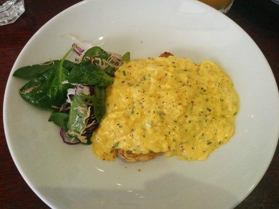 Caffiend: Runny scrambled eggs :(