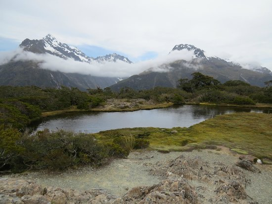 Routeburn Track Hiking Tour - New Zealand Breeze: Mountain scenery