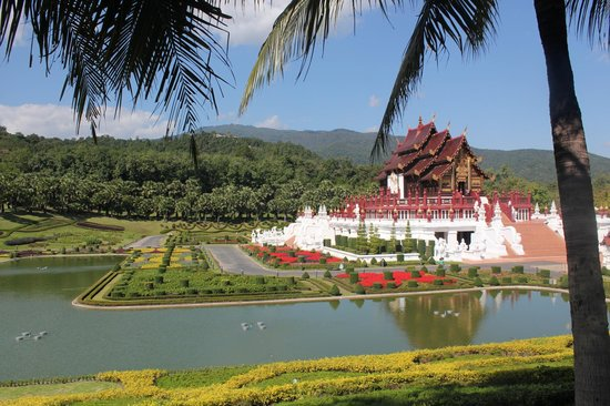 Royal Park Rajapruek: le pavillon royal(Ho Kham Royal Pavilion)