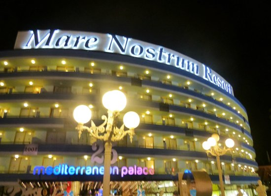 Mediterranean Palace Hotel: External view by night