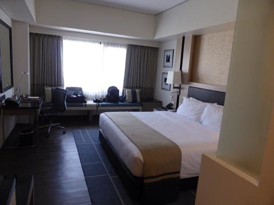 Seda Bonifacio Global City : Spacious comfortable bedroom.